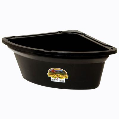 Miller Mfg. Little Giant 26 Quart Corner Feeder, Black