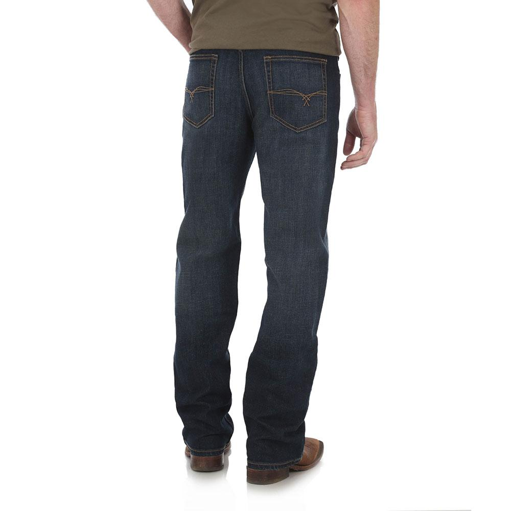 daa3d630 Wrangler Men's 20X No 33 Relaxed Fit Jean