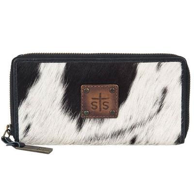STS Ranchwear's Cowhide Bi-Fold Wallet