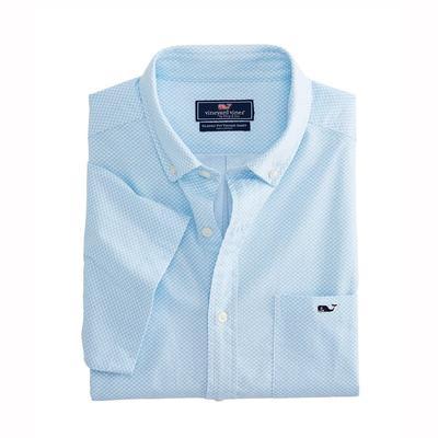 5f68cc5670 Vineyard vines Men's Short Sleeve Mini Waves Classic Tucker Shirt