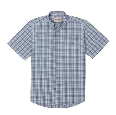Wrangler Men's Short Sleeve Wrinkle Resistant Shirt