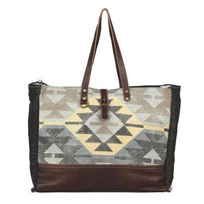 Myra Everyone's Distraction Weekender Bag